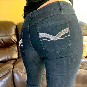🔵 3 for $20 • Women's Skinny Jeans - Size 4